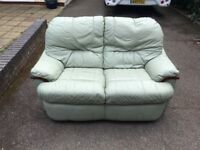 2 SEATER & 3 SEATER LEATHER SUITE