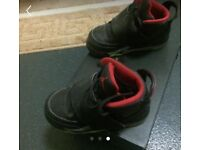Kids Jordan's son of mars black/red size 6.5