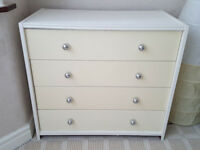 Wodden chest of 4 drawers