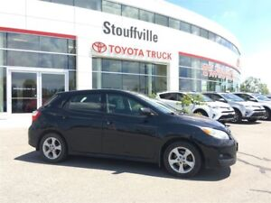 2013 Toyota Matrix Auto & Moonroof!