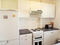 MOVE IN NOW - FOUR DOUBLE BEDROOM FLAT CLOSE TO WHITECHAPEL STATION