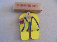 MENS HAVANIANAS FLIP FLOPS - SIZE 10 - NEW