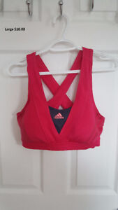 Sports bras size medium and large, all in new condition!