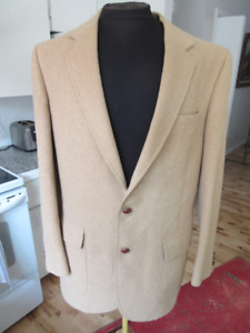 2 Camel Hair sports jacket: Size 40 and 38 Vintage elbow patches