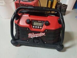 Milwaukee job site radio