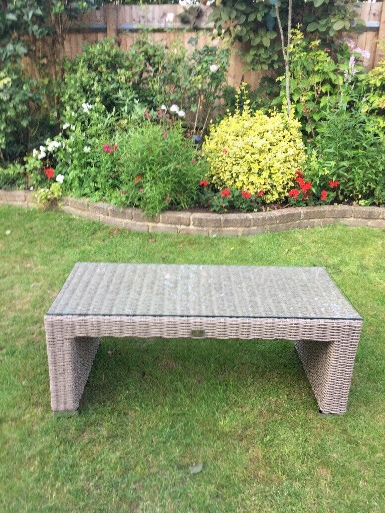 Moda rattan gardenconservatory coffee table with toughened safety moda rattan gardenconservatory coffee table with toughened safety glass geotapseo Image collections