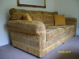 2 x 4 seater soafas, excellent condition, 1 with scatter cushions, 1 with full reversible cushions