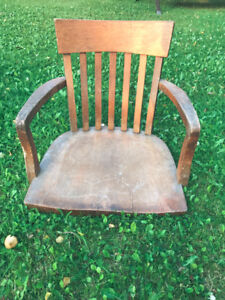 Antique Wooden Office Chair - Bottom Section Missing