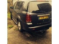 2006 rexton moted until November with built in DVD players in head rests and built in sat nav