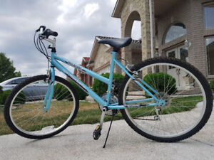 Ladies Bike Barely Used EX condition Barely used