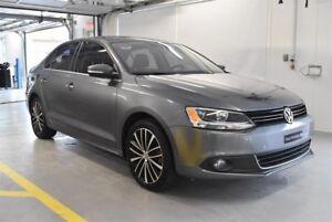 Volkswagen Jetta Highline**.0.9% 2014