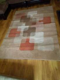 Large rug 7 foot by 5 foot good condition