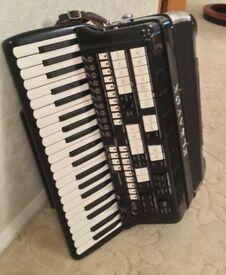Elka Classique Electronic Accordion 120 Bass