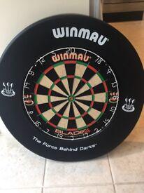 Winmau dartboard with surround