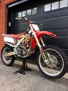 Awesome CRF450R!  Must See!