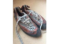 Red Chillies men's size 10 climbing shoes- great condition