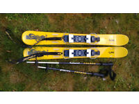 Snowblade style skis, 100cm, with adjustable poles and bag