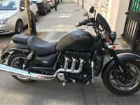 Wow not to be missed 2.3cc triumph rocket 111 roadstar still under warranty 800 miles only