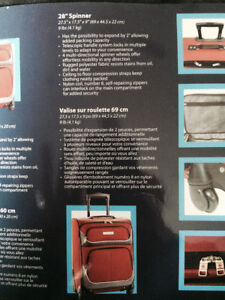 Air Canada 28 Inch Spinner Luggage Suitcase (NEVER USED)