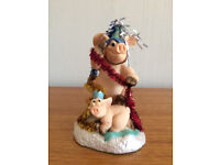 PIGGIN' PARTY TIME FIGURINE COLLECTIBLE WORLD-NEW
