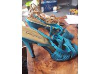 New look size 7 heel