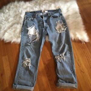 Vintage Levi's super distressed boyfriend jeans