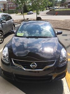 Sporty 2011 Nissan Altima Coupe