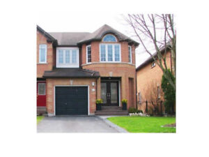 2-Storey 3-Br End Unit Ravine Town House, Richmond Hill $2000/mo