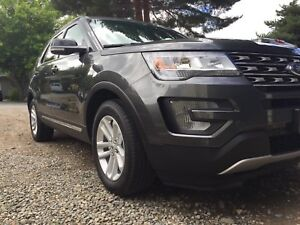 Immaculate 2017 Ford Explorer for sale by owner
