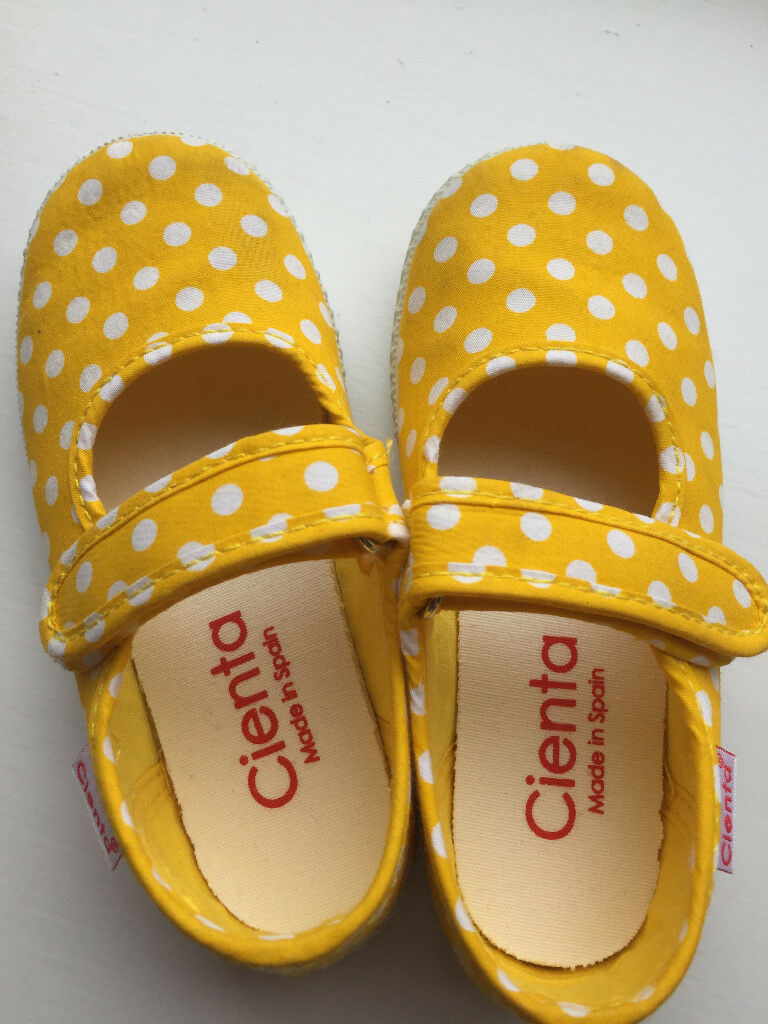 childrens shoes, sice 8,5in Trinity, EdinburghGumtree - Each shoe features light padding, adjustable hook and loop strap, a non slip outsole, and a light, fruity scent. This shoe is machine washable. Just remove the insole and let air dry