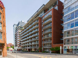 Amazing location! 2 bed/2 bath corner unit in the Byward Market!