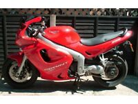 1999 Triumph Sprint ST 955i Tornado Red