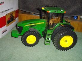 Ertl 1/16 scale John Deere 7920 model tractor