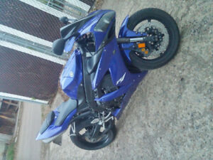 Reduced MUST SELL 2005 R1 WITH GLOVES AND 2 HELMETS