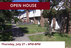 3 Bdrm Townhouse available at 85 Henderson Avenue, Thornhill