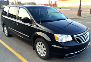 2013 Chrysler Town & Country Touring (Power Sliding Doors)