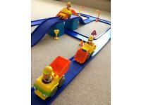 Happyland construction set with track