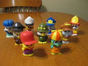 LITTLE TIKES LOT OF 9 FIGURES LITTLE PEOPLE