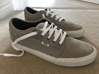 Vans Chukka Low Trainers Size 9