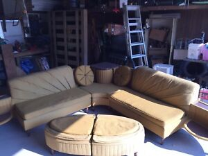 Amazing retro couch.  Ultra vintage