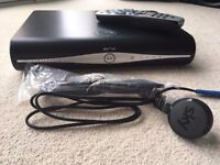 SKY HD BOX WIFI BUILT IN WITH REMOTE,HDMI LEAD & POWER LEAD EXCELLENT CONDITION,FULLY WORKING