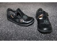 Clarks First Shoes girls black shoes with lights CAN POST