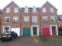 3-4 bed town house in Pinner