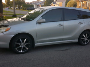 Toyota Matrix 2003 XR 5 vitesses 2500$