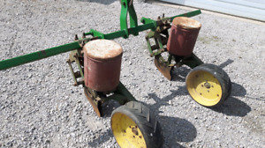 2 Row John Deere  #71 corn 3pt hitch planter