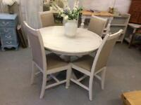 Pretty shabby chic table & chairs