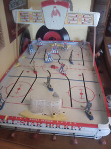 1967 Table top hockey game