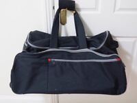 Samsonite large travel bag with wheels