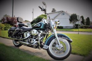 Harley Davidson Heritage Softail Classic - only 2 owners!