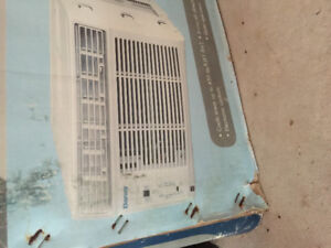 Air conditioner for sale. In good shape.